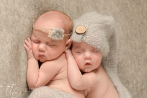 twin picture baby photography  dublin